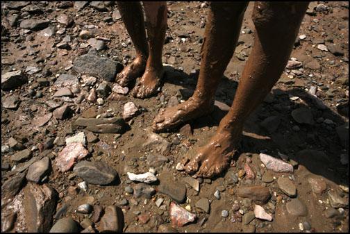 Muddy_feet_web